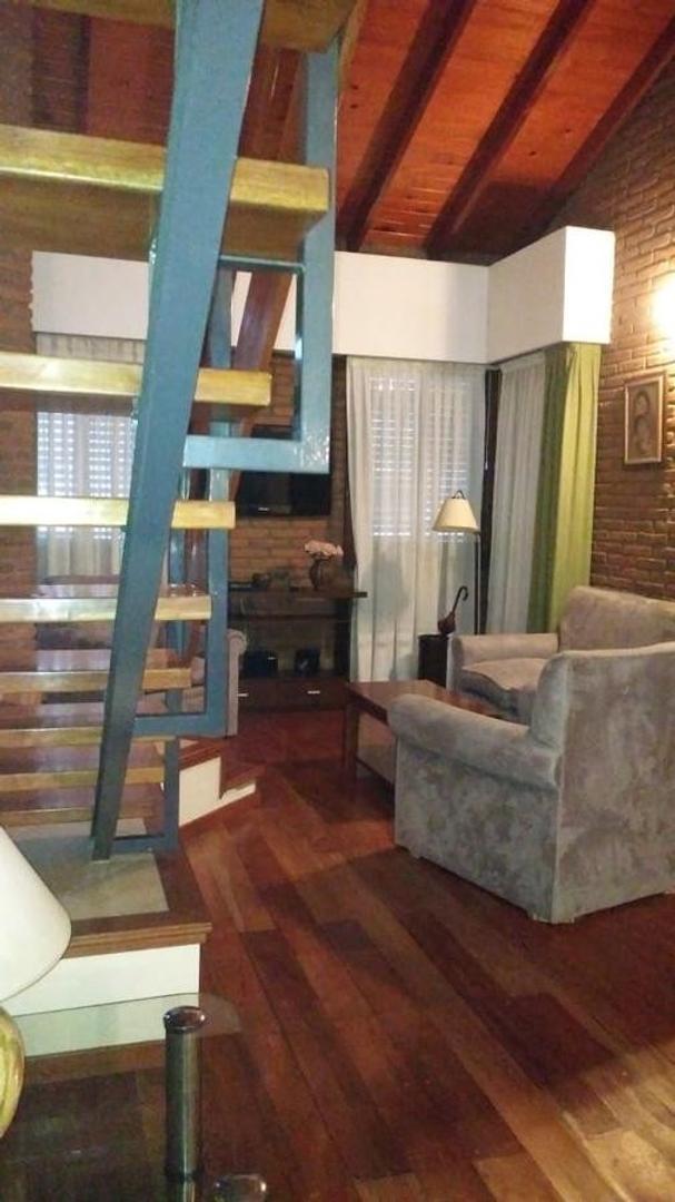 Casa a mts del parque San Martin de 4 dormitorios . - Foto 24
