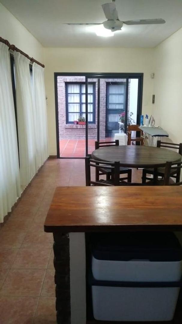 Casa - 214 m² | 4 dormitorios | 30 años