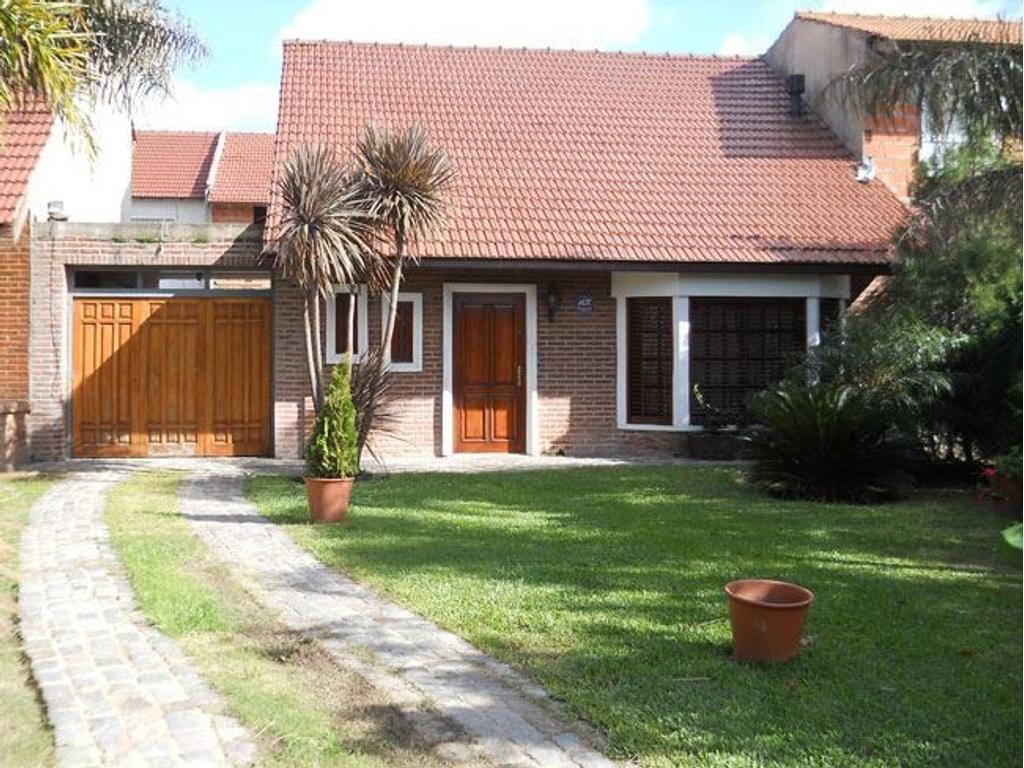 Circ. 3ª - Zona Seminara - Hermosa casa con gran Parque