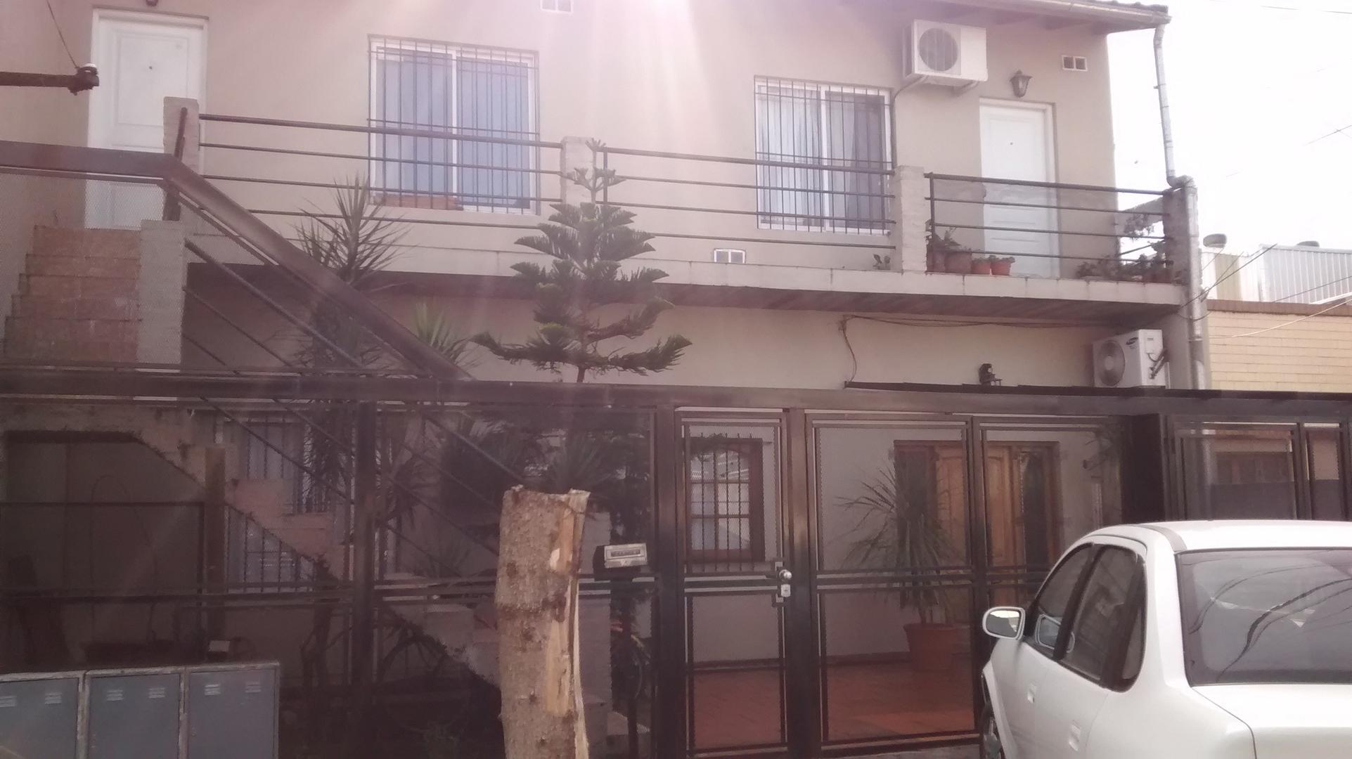 Casa - Venta - Argentina, VICENTE LÓPEZ - BAHIA BLANCA 3200