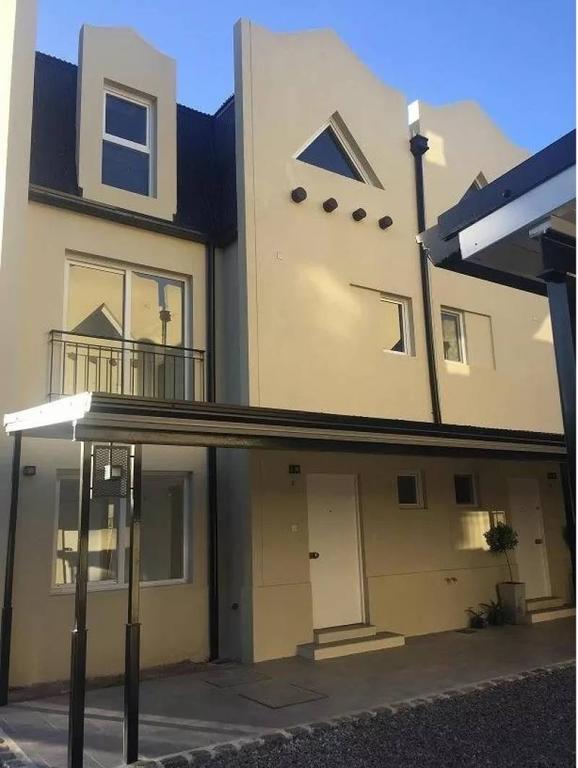 Hermosa casa en venta VICENTE LOPEZ