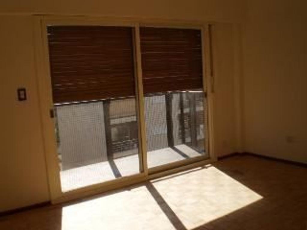 Departamento en Alquiler de 3 ambientes en Capital Federal, Villa Urquiza