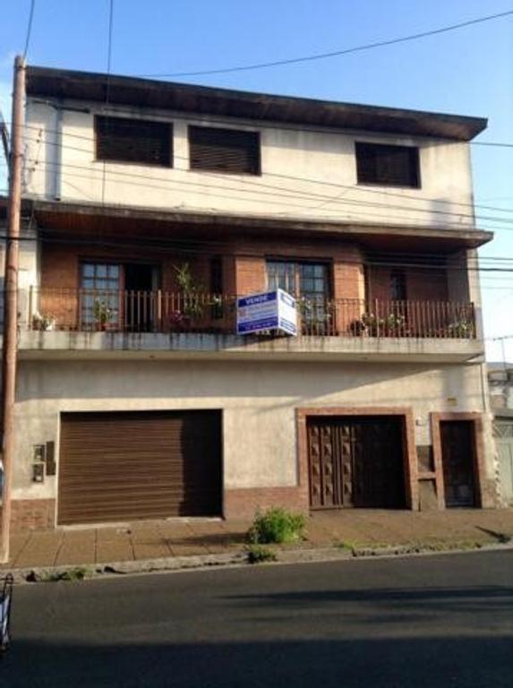 Casa en Venta 4/5 AMB CON COCHERA CUBIERTA, BALCON, TERRAZA, PATIO