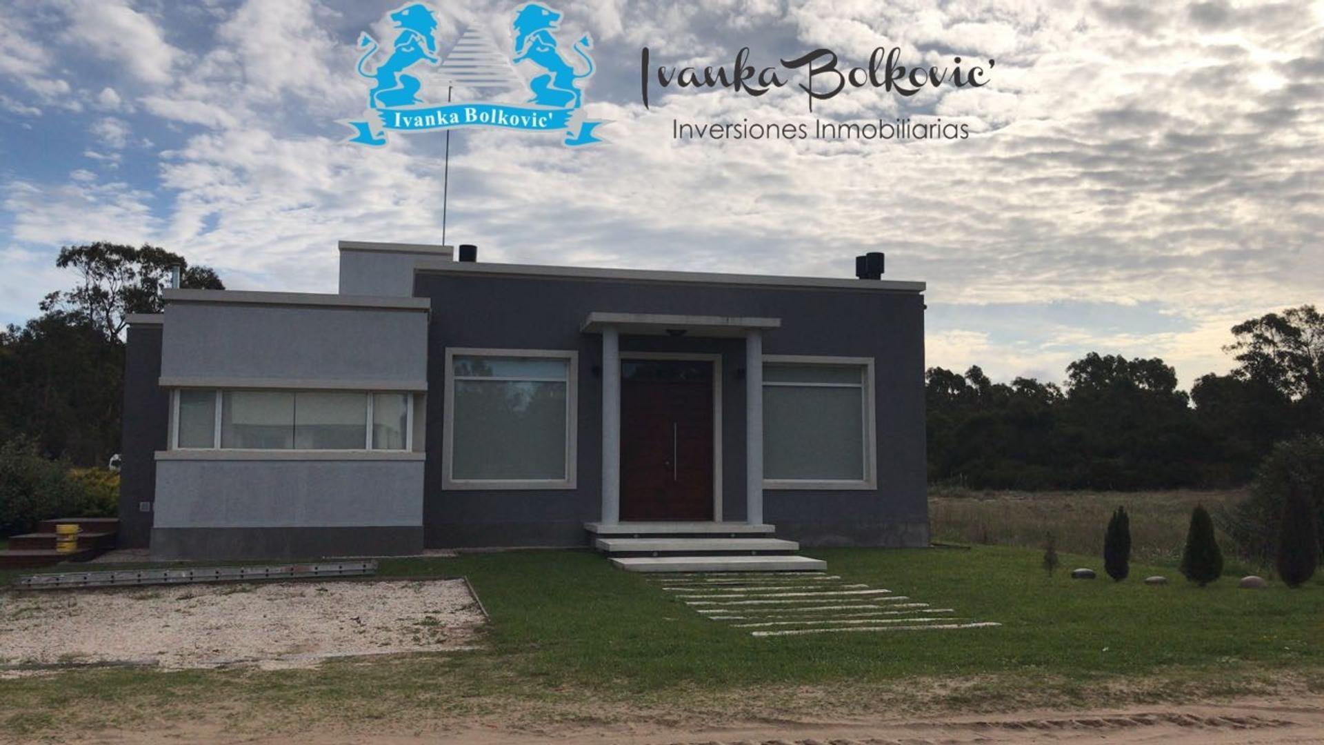 Si buscas una casa solida de ambientes amplios y confortable? ESTA ES TU CASA!!