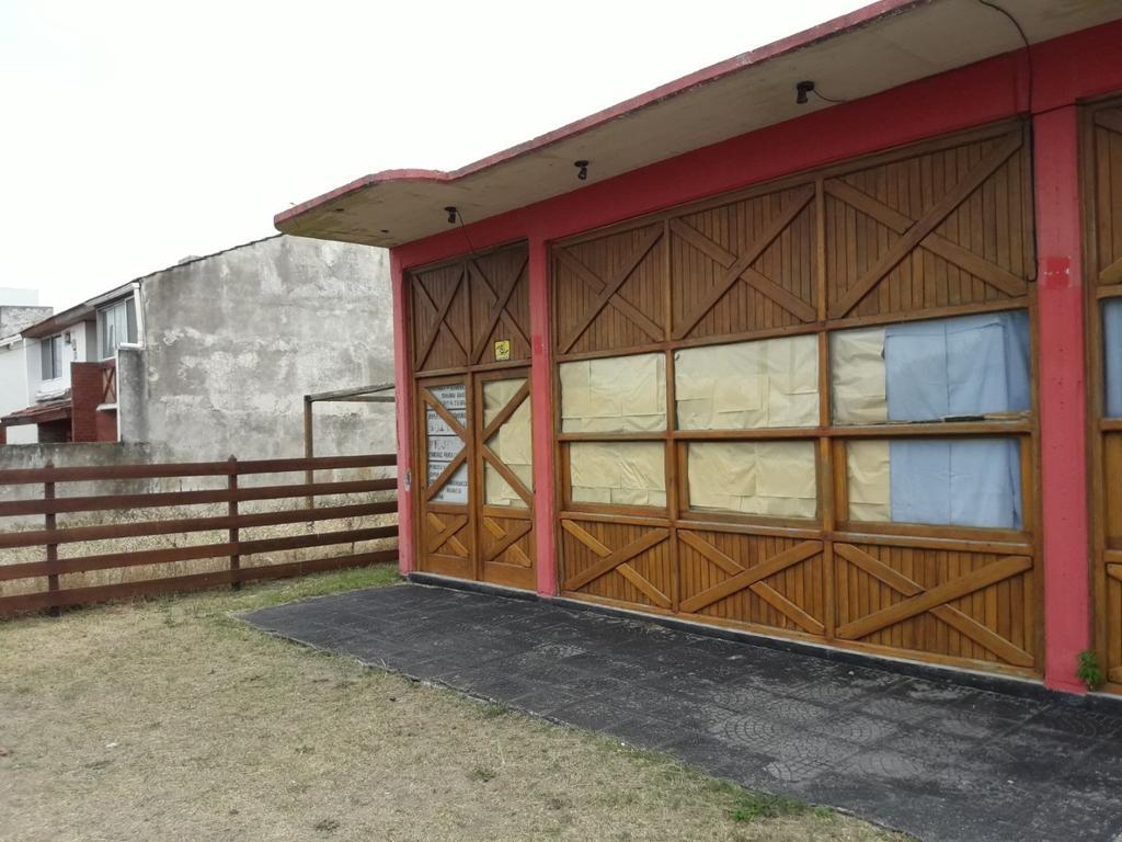 Venta de local Las Toninas+2 DTOS Y UN LOTE