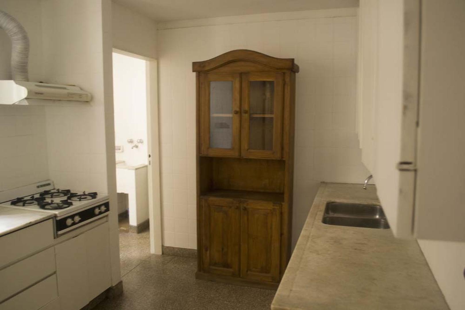Departamento en Venta - 6 ambientes -