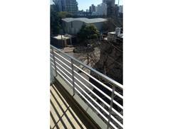 Departamento con balcon, ventilacion cruzada y terraza exclusiva con cochera