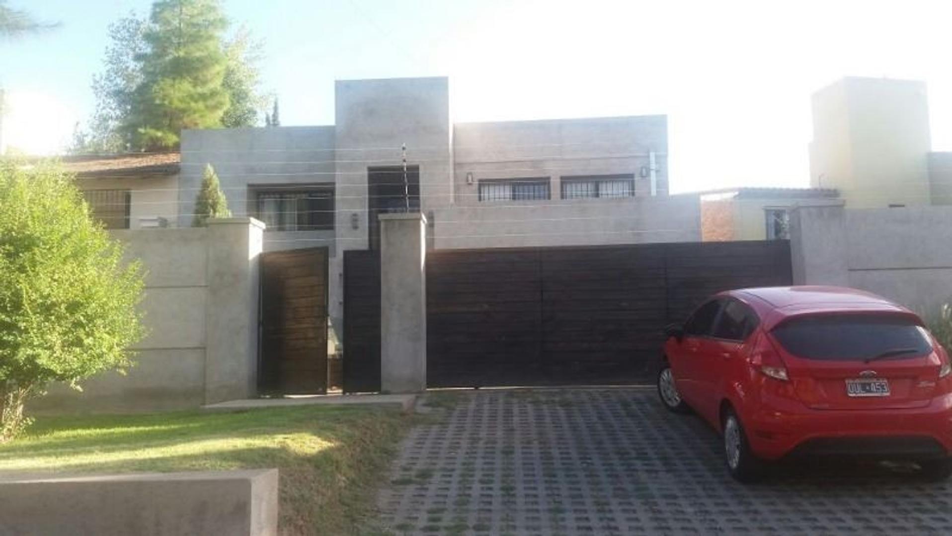 Casa en Venta en Villa Nueva De Guaymallen