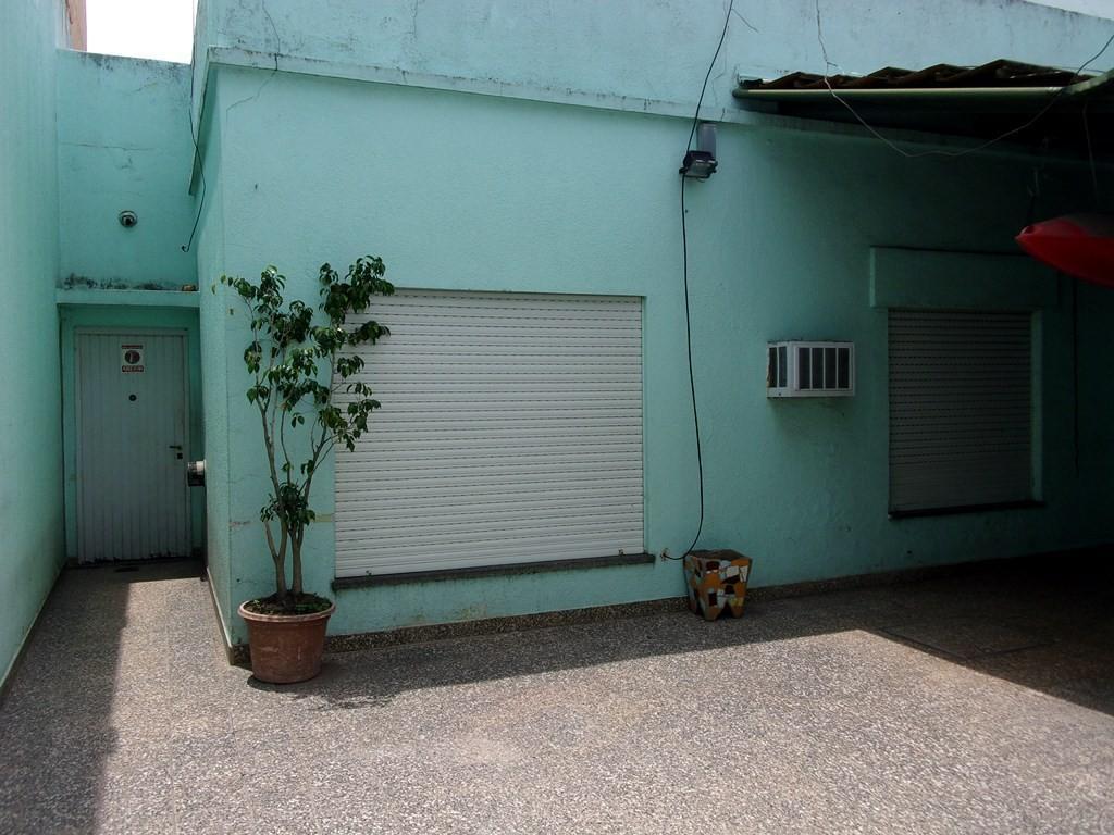 PH en venta de 4 ambientes en P.B sobre José León Suárez al 3800