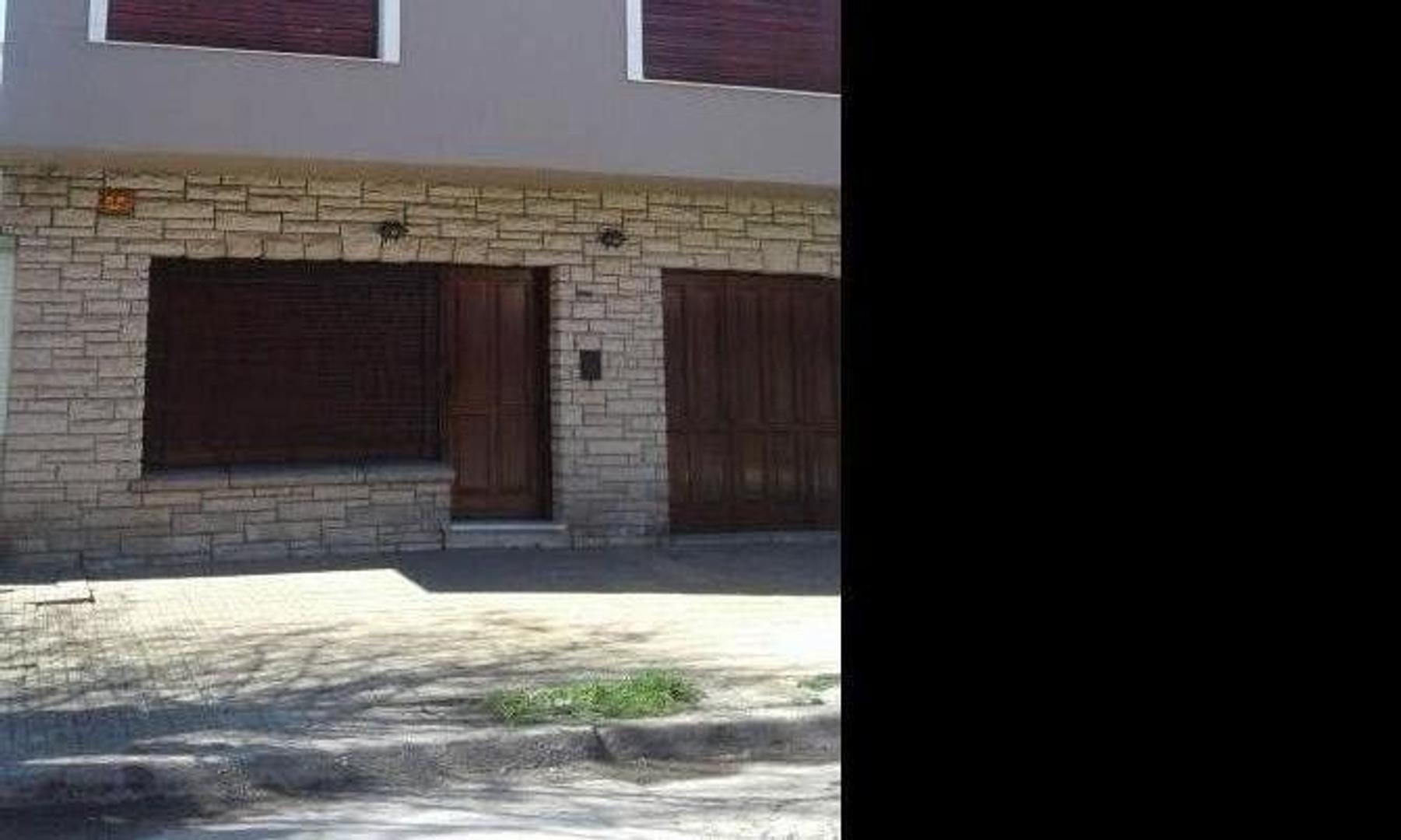 Venta departamento tipo casa 3 ambientes