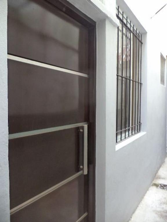 PH contrafrente. 3 ambientes, cocina comedor, 2 dormitorios, baño, terraza, parrilla, refaccionado