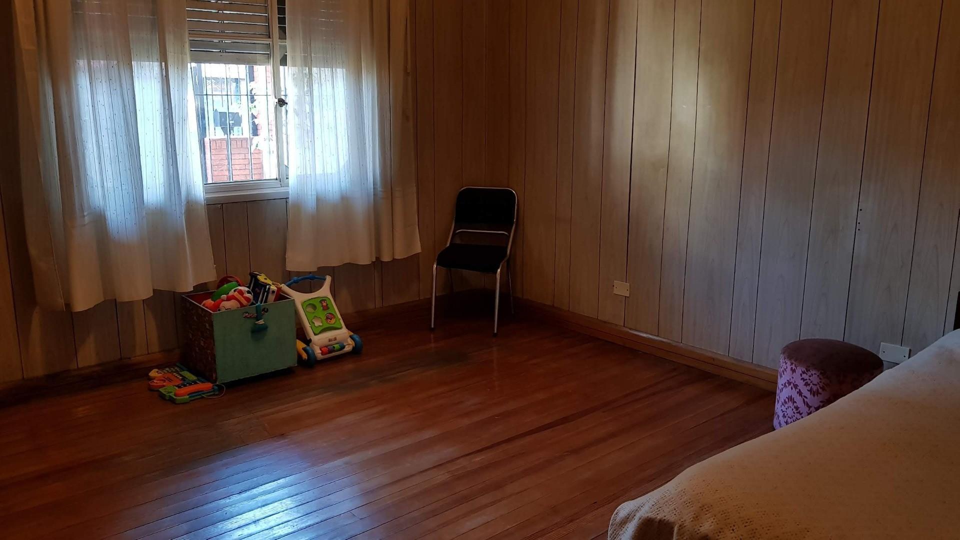 Avenida Mitre 4200 - 5 ambientes