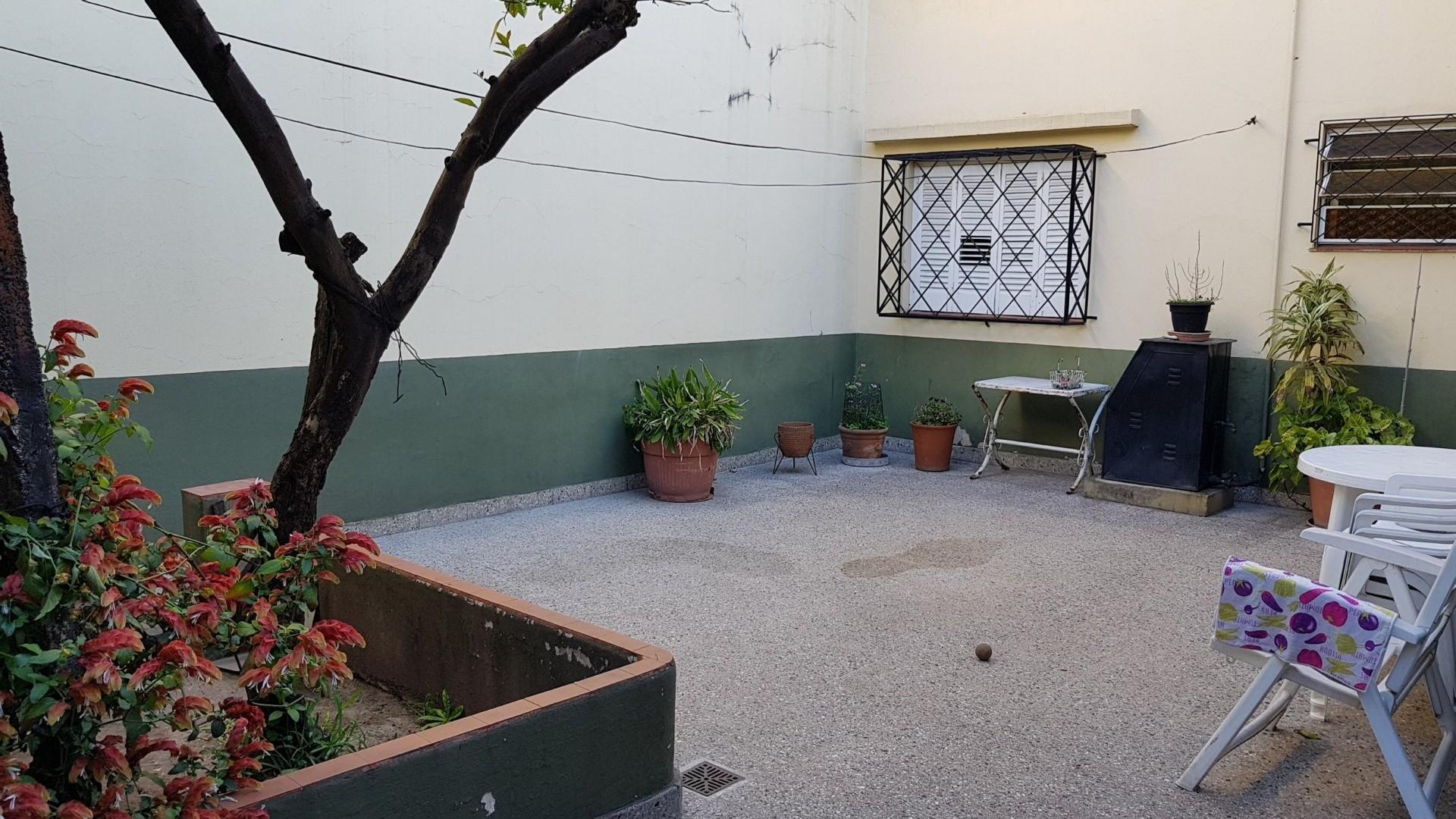CASA 5 AMBIENTES EN 2 PLANTAS CON JARDÍN, COCHERA, FONDO LIBRE, SOBRE AVENIDA MITRE Y GRAN VIDRIERA  - Foto 21