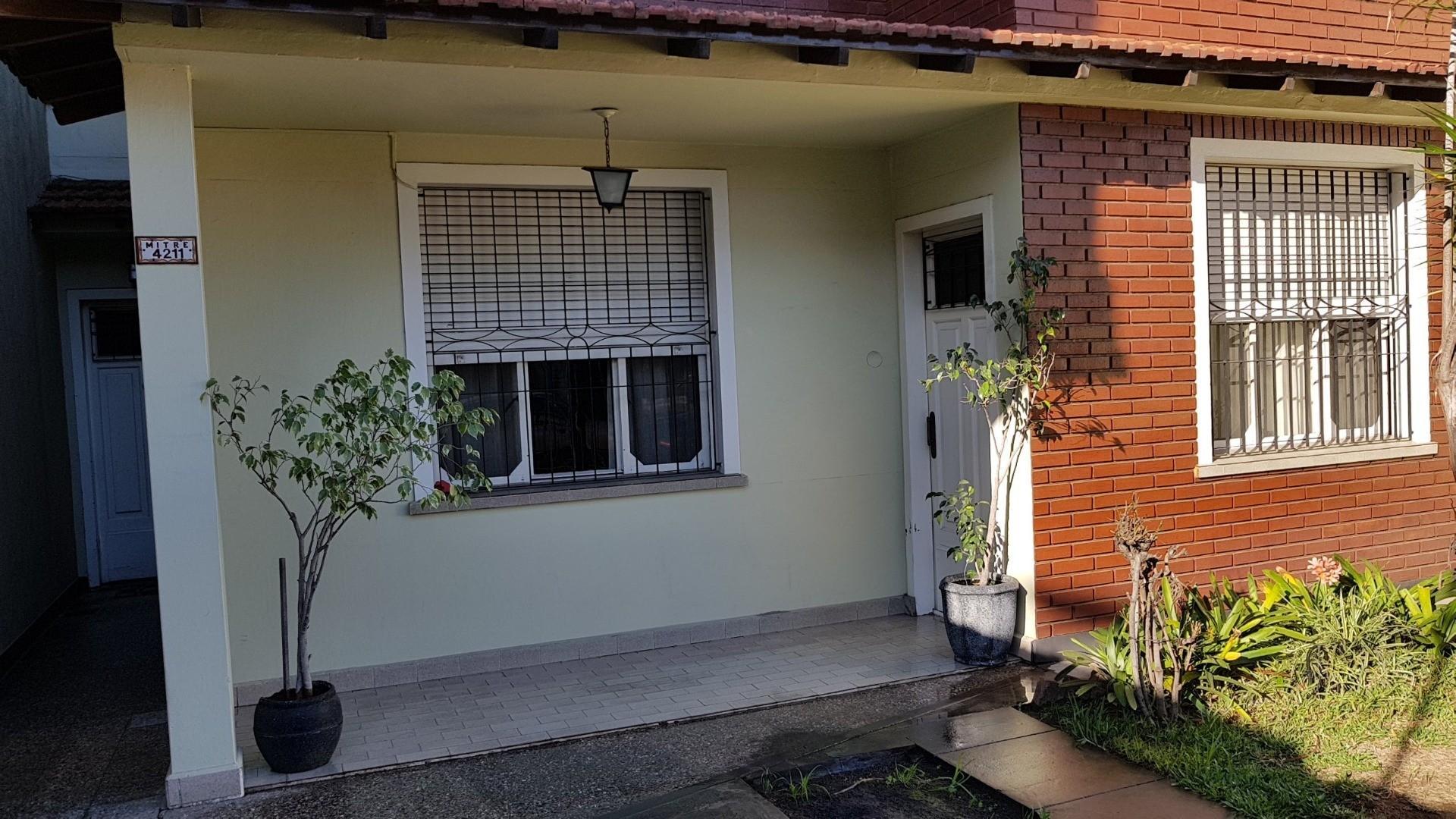 Casa en Venta - 5 ambientes - USD 220.000