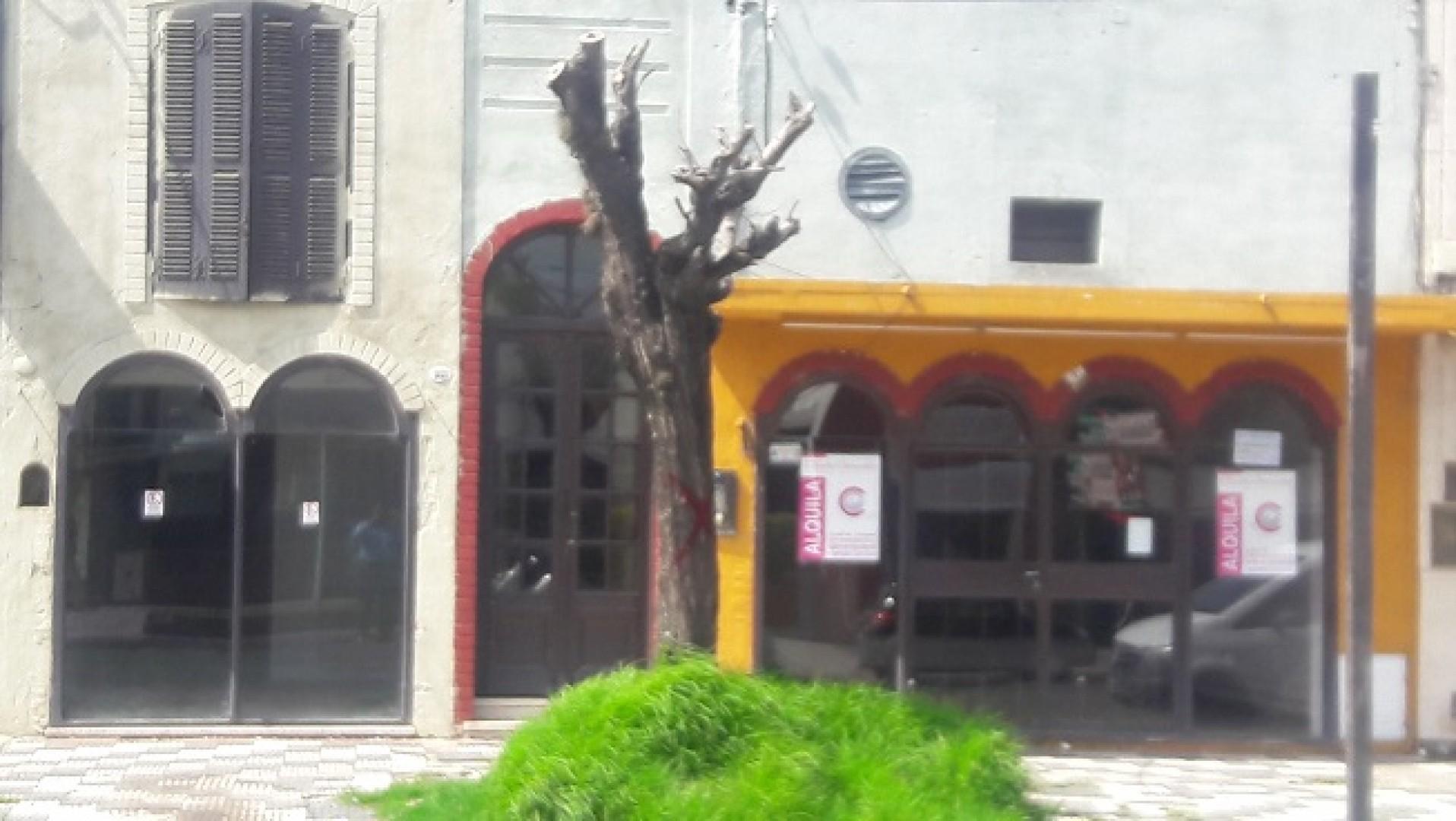 Alquilo Casa tipo Local Comercial sobre Avenida Principal