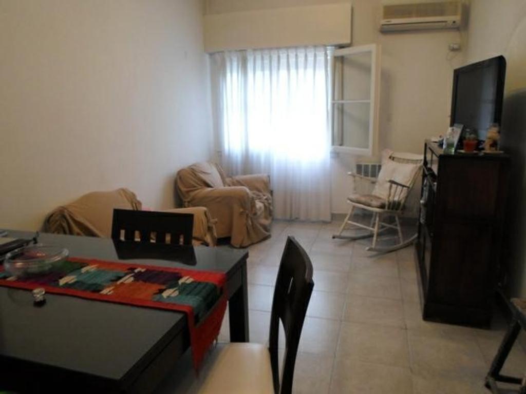 Departamento tipo casa en venta en martin de gainza 400 for Dormitorio 2x3