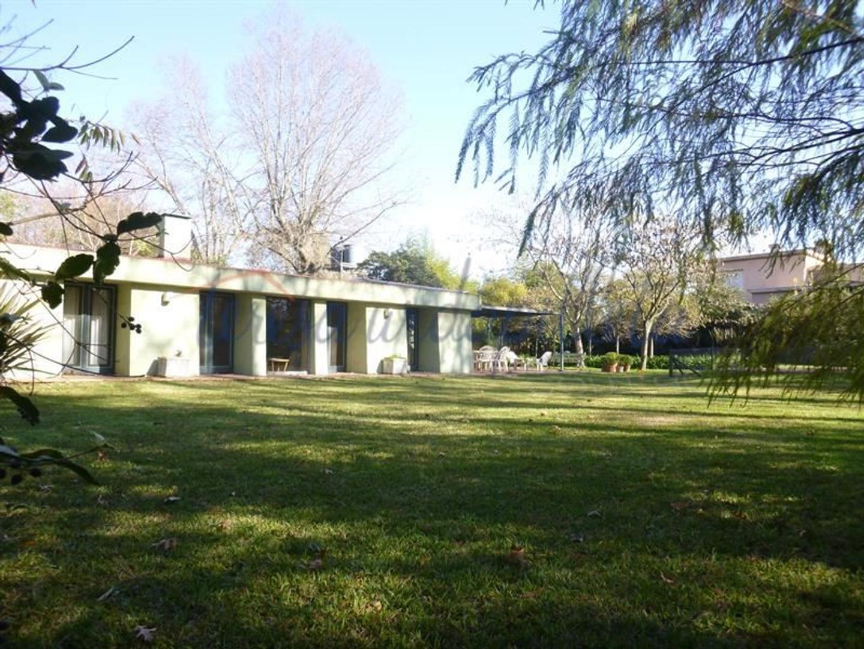 Casa en Venta en Golf Club Argentino - 5 ambientes