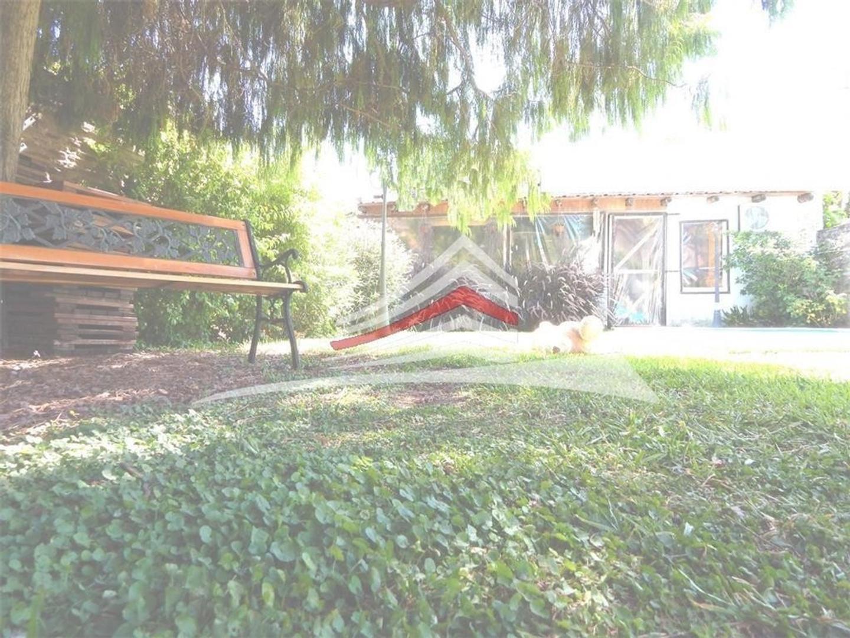 Casa en 1 planta - 4 amb - 130 m2 cubiertos - 250 m2 totales