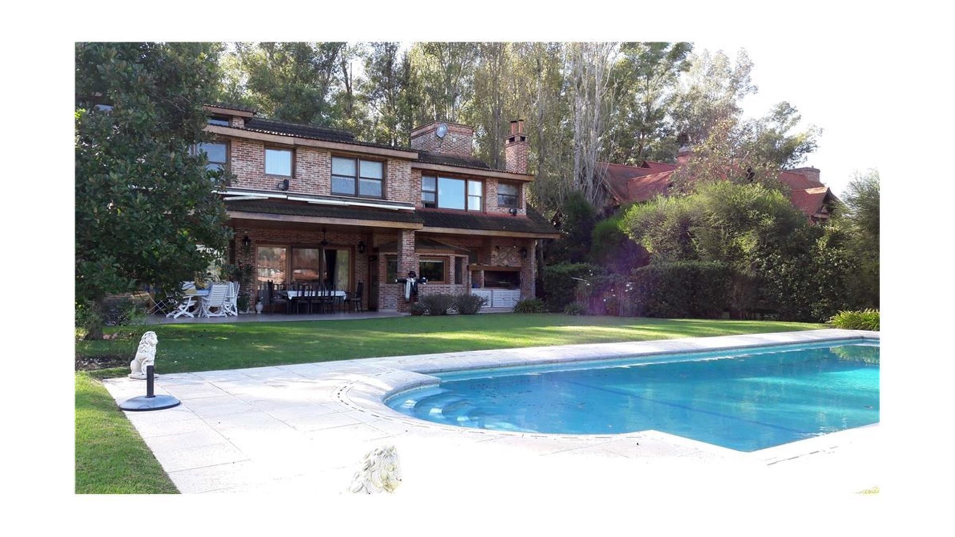 Excelente Casa en Mayling SOBRE GOLF!!!