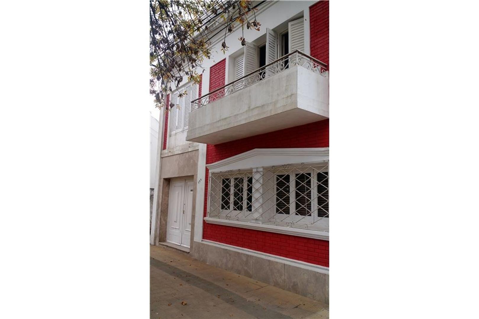 Se vende Casa en el centro de Reconquista