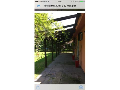 Hermosa quinta con amplio parque, zona arbolada, gran piscina, posible permuta condicional