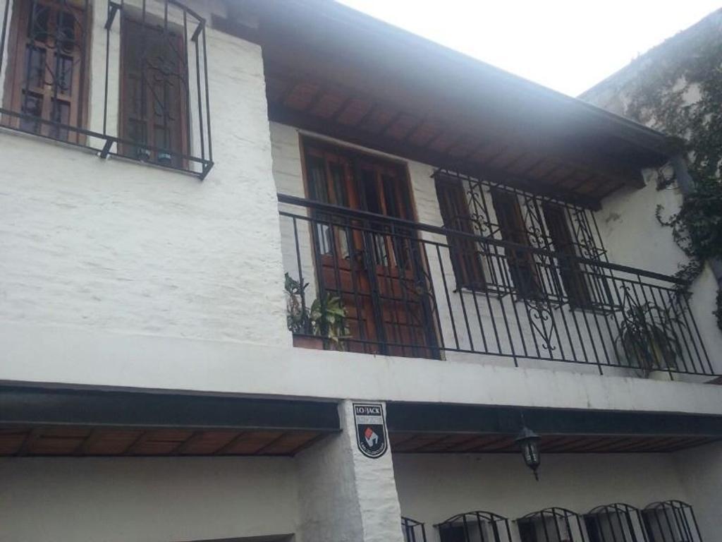 Hermoso Casa de 7 Ambientes, 4 Baños, 5 Dormitorios,  Villa Del Parque