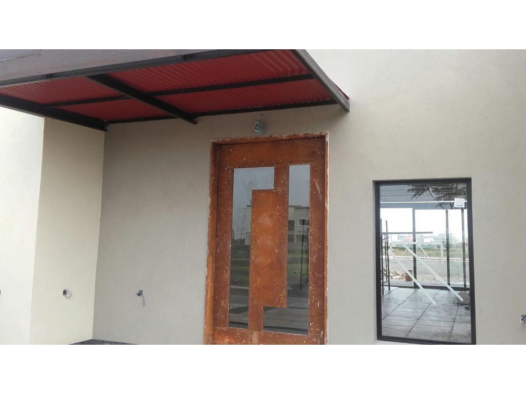 Casa 185 m2, 4 dormitorios en barrio Vistas, Puertos del Lago