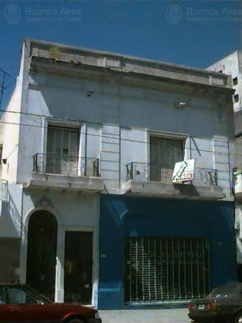 Local en alquiler sobre Av Garay y Av La Plata