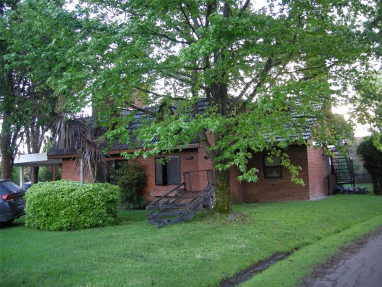 Casa en Venta en Loma Verde - 4 ambientes