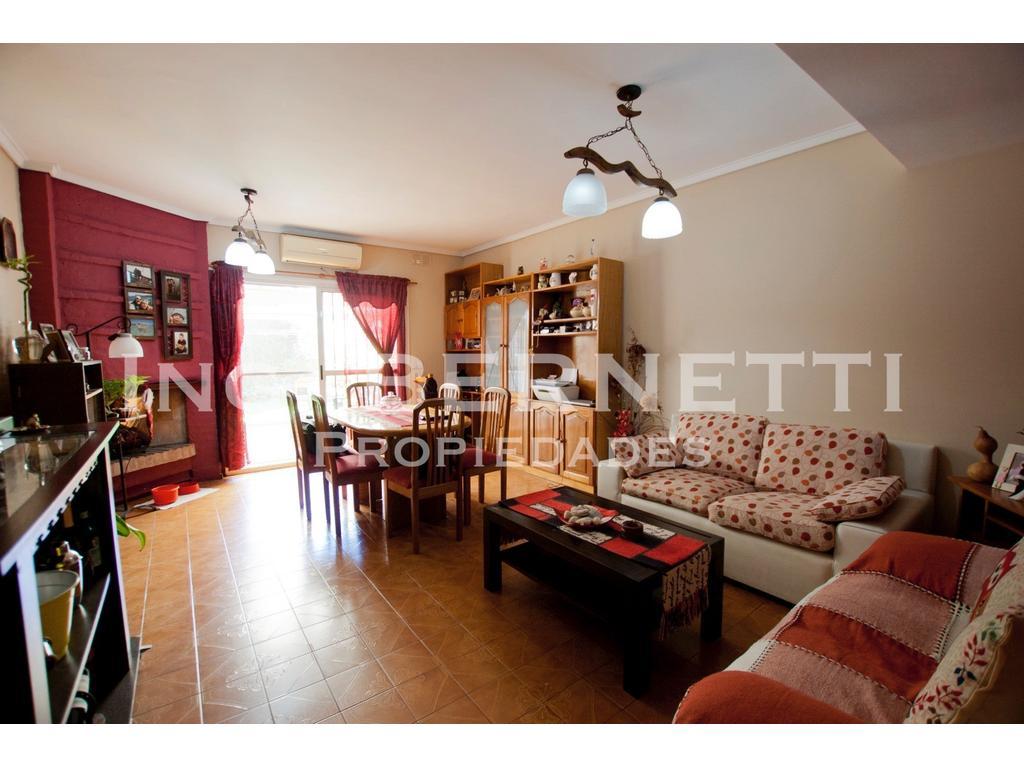 - RESERVADO - Excelente Dúplex 3 Ambientes + Garaje + Jardín - Impecable Estado -
