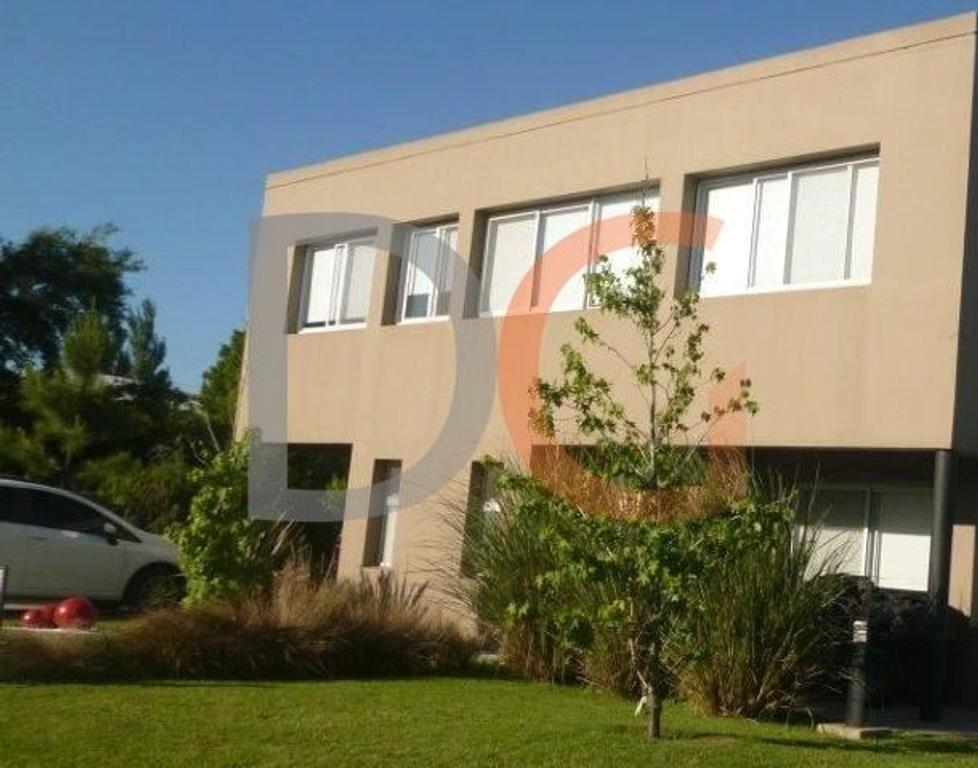DG-016 EL CENTAURO Casa de estilo moderno