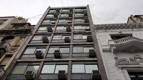 EDIFICIO EN BLOCK 4500m - MONSERRAT - OPORTUNIDAD INCREIBLE - APTO HOTEL o DEPTOS ESTUDIANTES