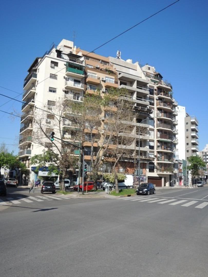 Alquiler 2 Ambientes en Saavedra, al frente con balcón. Habitación en Suite.