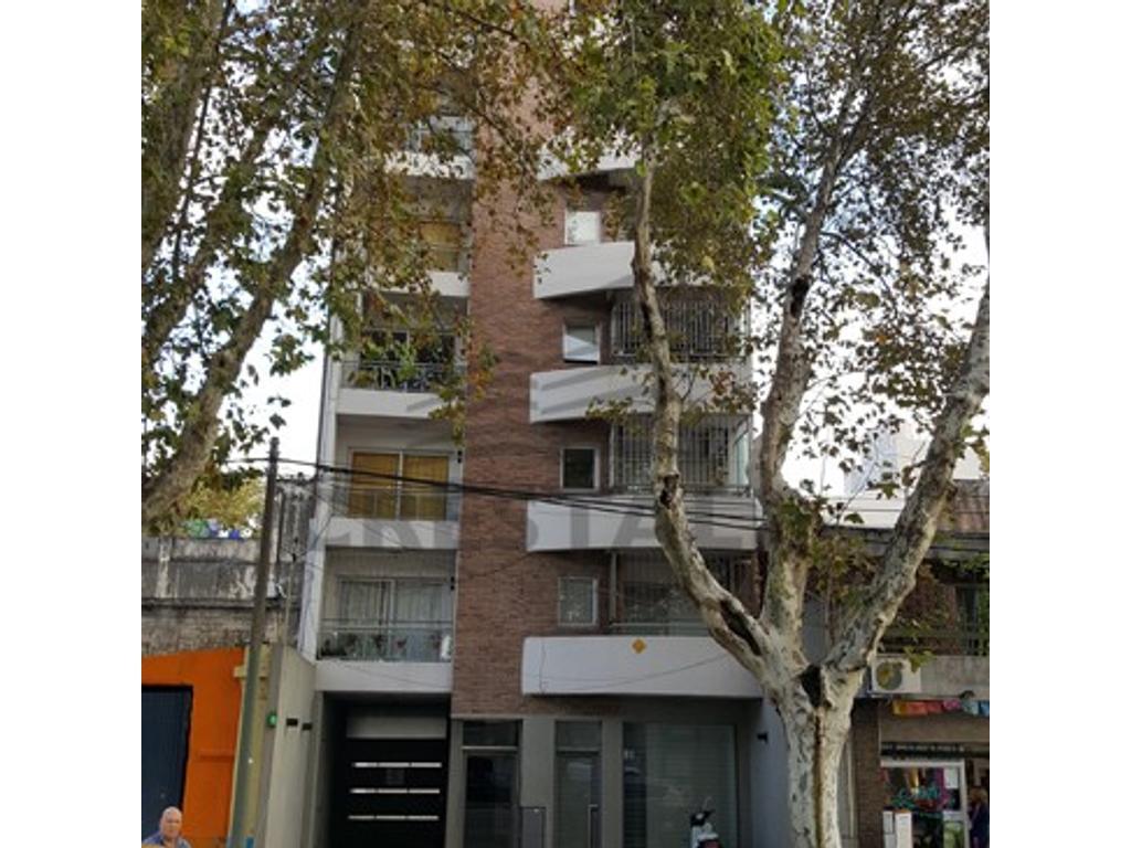 Pellegrini y Cafferata - Departamento 2 dormitorios a la venta