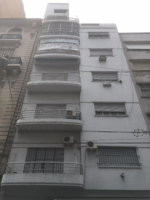 Uruguay y Av Corrientes - Venta Piso 4 Ambientes Apto Prof C/balcon y Dep.
