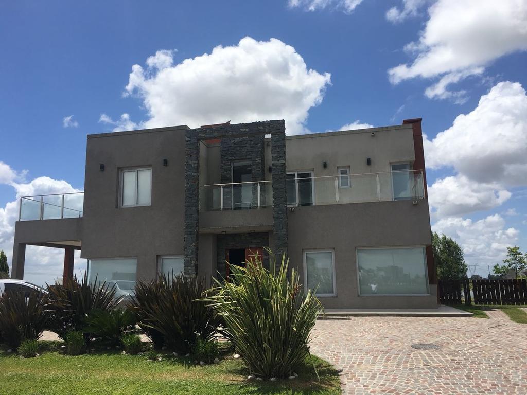 Moderna propiedad en alquiler temporal en Santa Rita