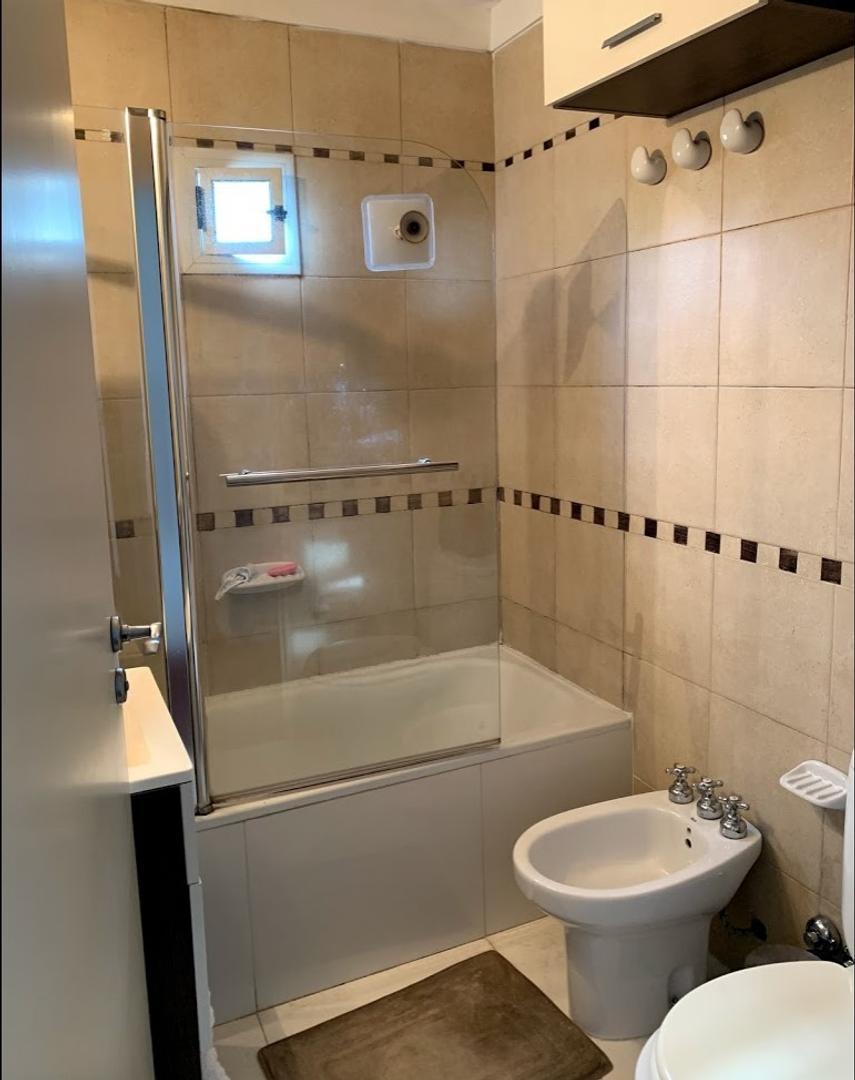 3 ambientes con 2 baños y cochera fija - Foto 14