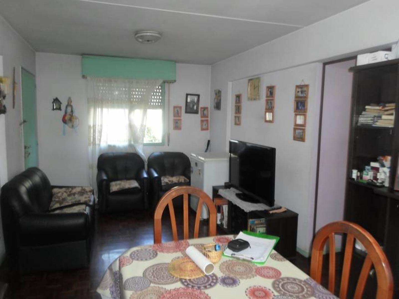 Dpto. 4 ambientes en Barrio Copello.