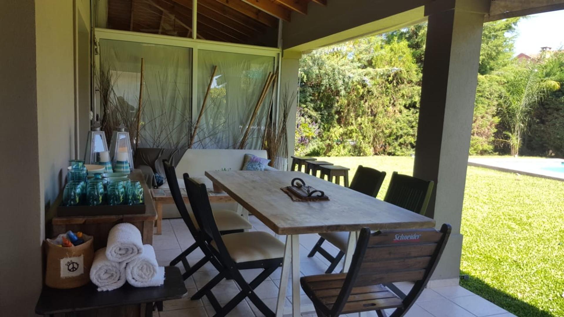 Casa en Venta en Acacias Blancas - 4 ambientes