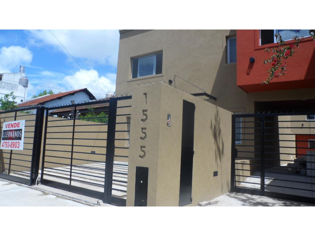 Apto credito Duplex 4 Amb. Contrafrente 2 Planta Categoría Estrenar Garage Jardín 60mt  5' Panam