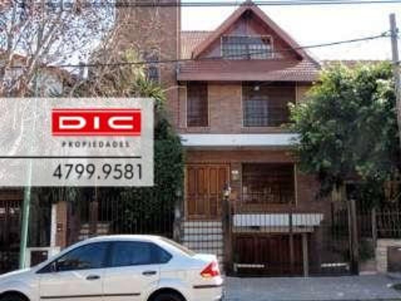 Casa en Alquiler en La Lucila-Vias/Maipu - 6 ambientes