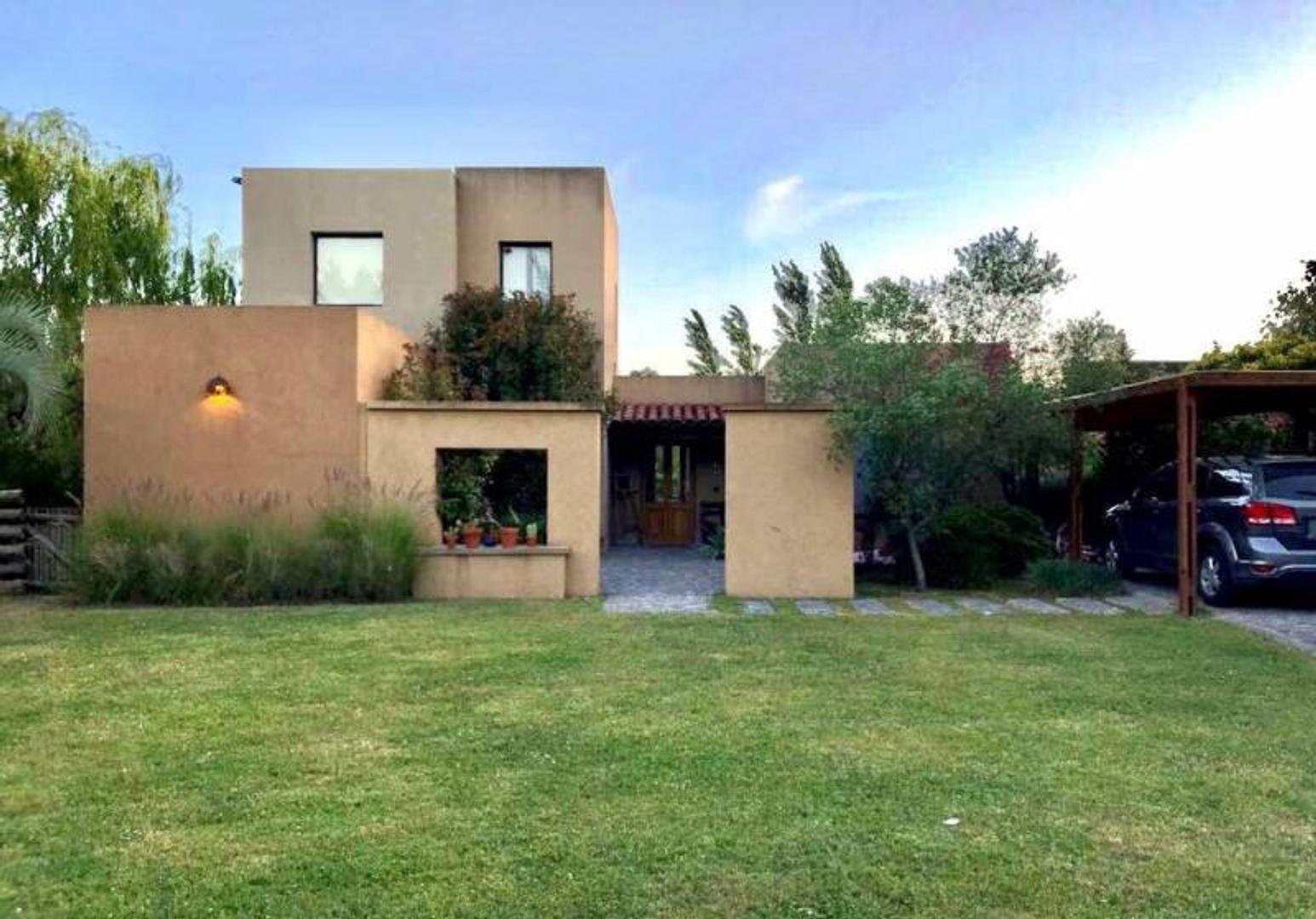 Casa en venta en Santa Catalina, Villa Nueva
