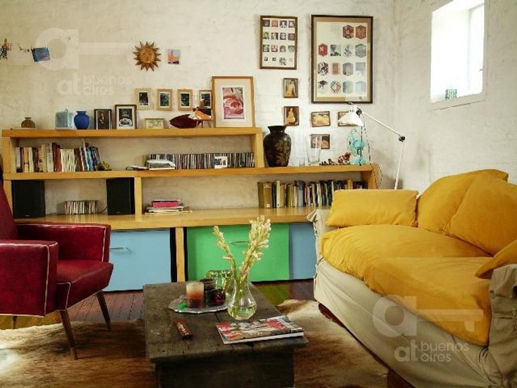San Telmo. PH 2 ambientes y medio con terraza. Alquiler temporario sin garantías.