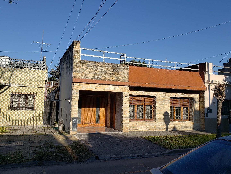 Casa en venta -Villa Adelina