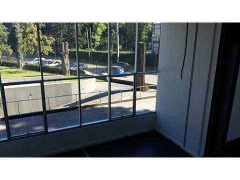 Alquiler de oficina en Edificio Paralelo 50 Pilar