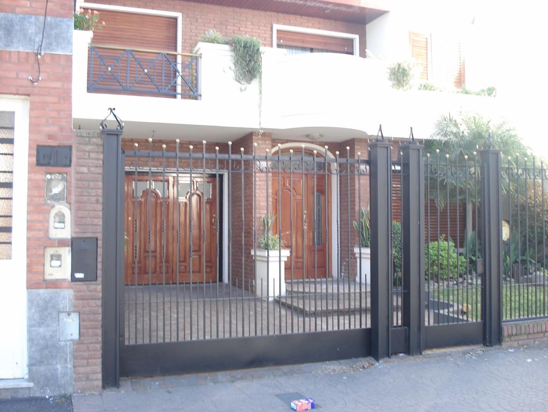 Casa 5 ambientes en 2 plantas