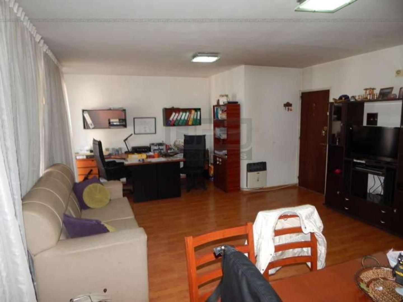 Italia y Montevideo - Piso Exclusivo de 2 Dormitorios. Vende Uno Propiedades