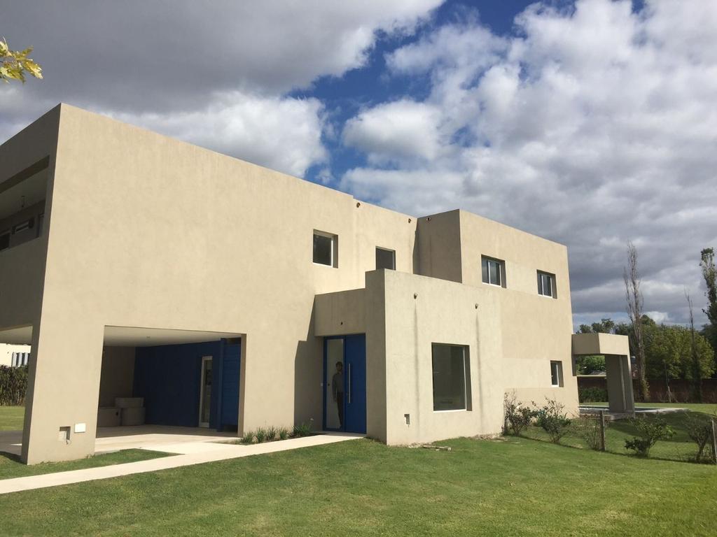 Casa en alquiler en irusta 3777 bella vista argenprop for Alquiler de casas en bellavista sevilla