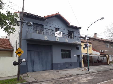 Oficina entre Fleming y Panamericana