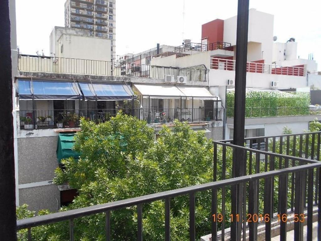 BELGRANO  Excelente piso de categoría con balcón terraza